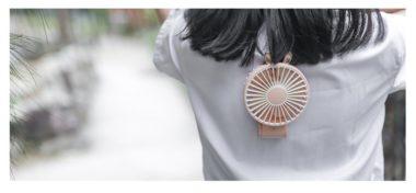 Handheld folding fan hanging back